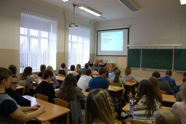 Latviešu valodas meistarklase Ventspilī pulcē mazākumtautību skolēnus