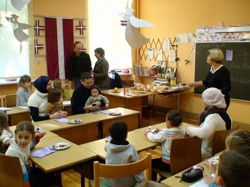 MDK - Dundagas skola foto  bēgļiDSC00610 800x600